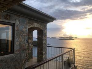 """""""Caribbean Sunrise"""" views"""