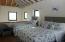 Loft Bedroom - Queen + two twin beds