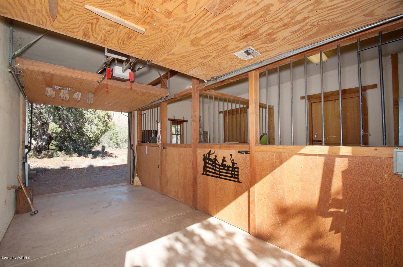 1235 Lee Mountain Sedona, AZ 86351