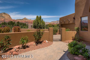 30 Bella Vista-Entry Courtyard-Panoramic Red Rock Views