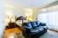Guest bedroom - large