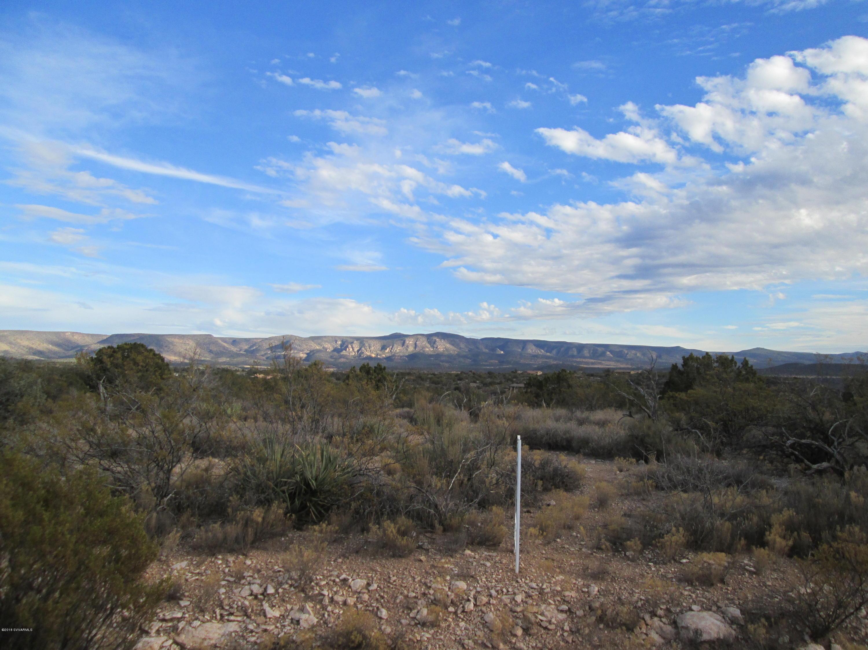 6760 N Canyon Rimrock, AZ 86335