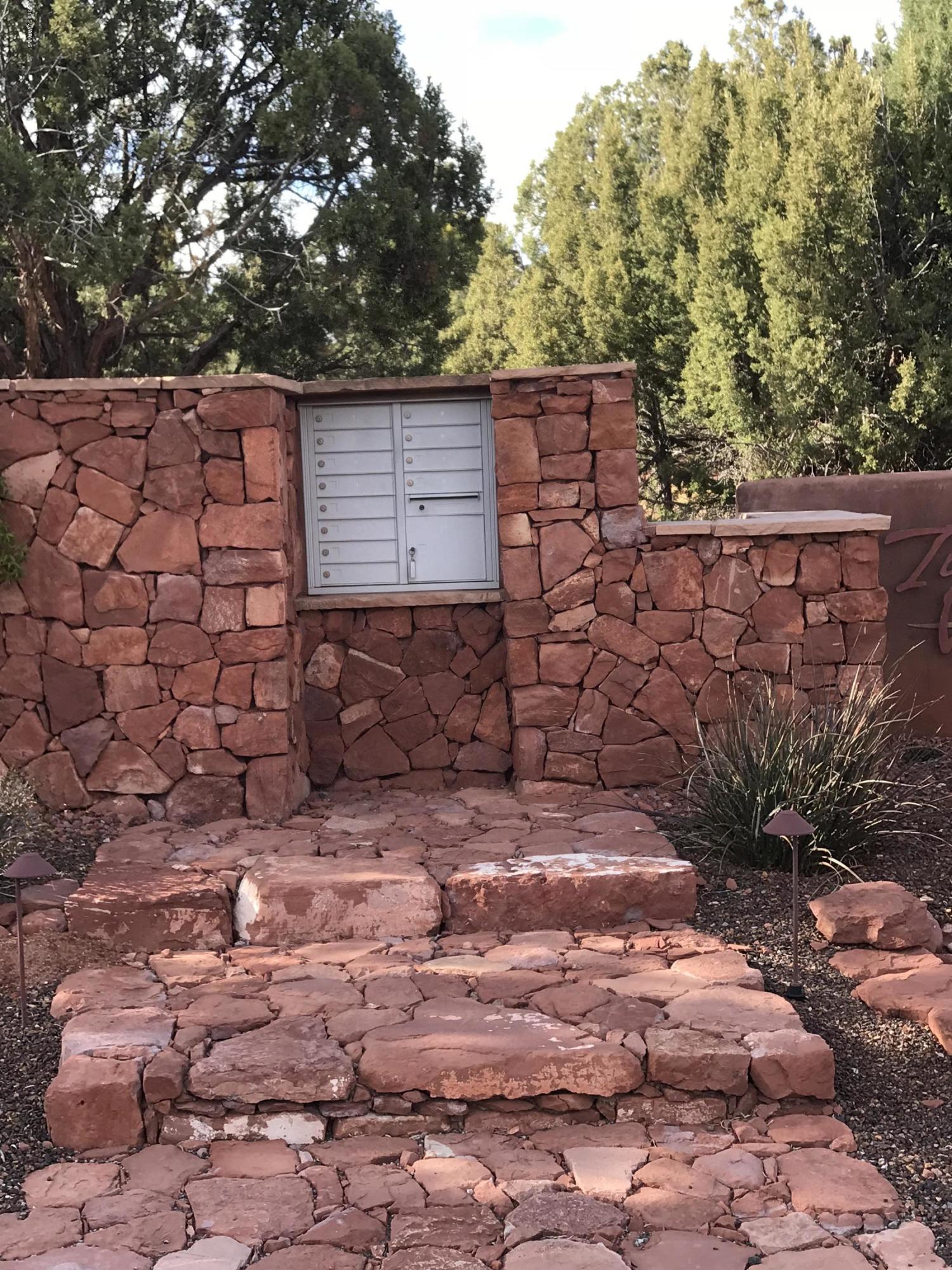 75 Vista Serrena Sedona, AZ 86336