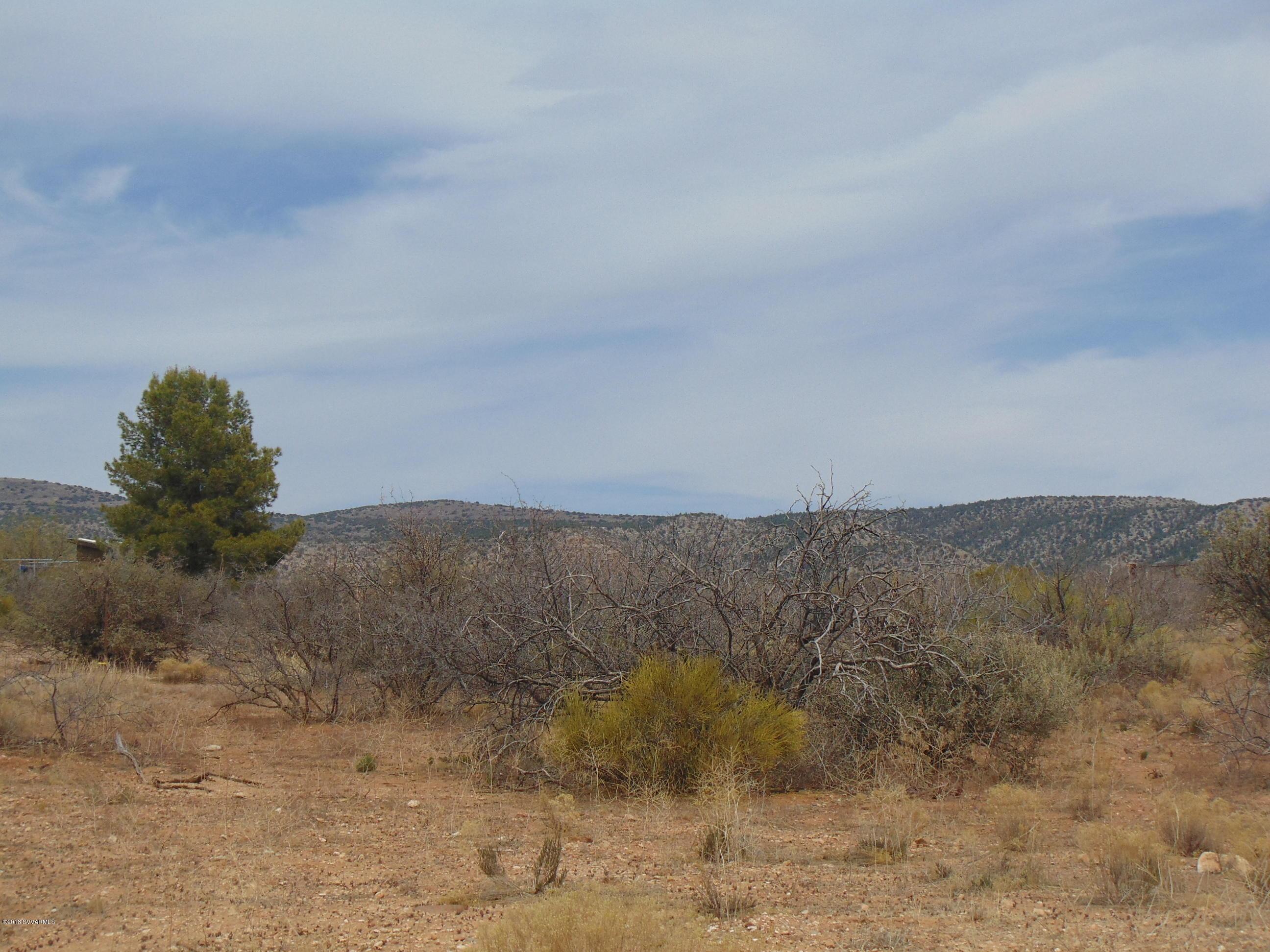 E Elizabeth & Eggbar Cornville, AZ 86325