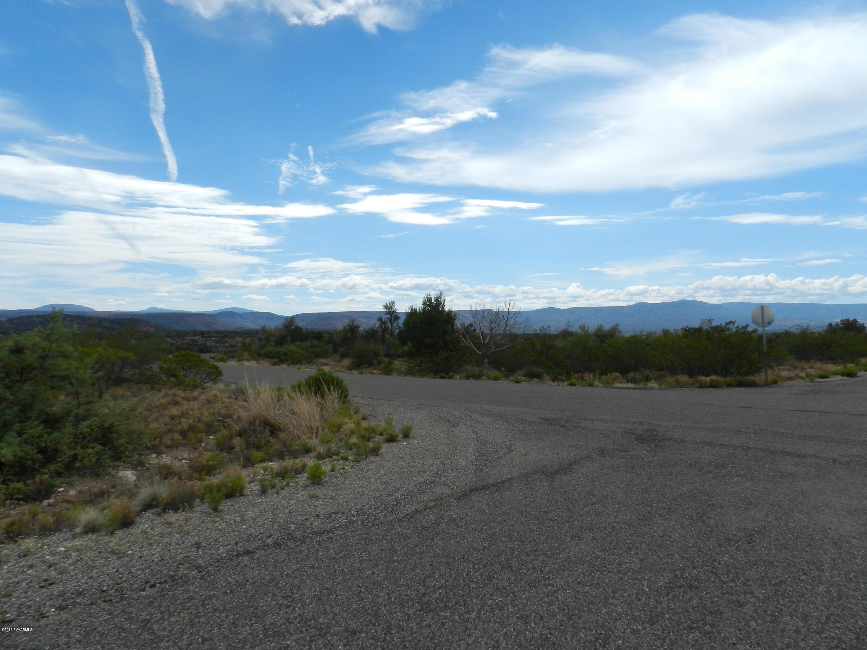 6670 N Canyon Rimrock, AZ 86335