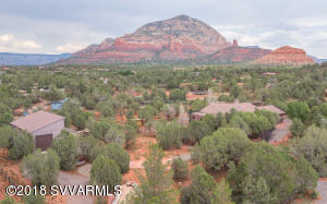 10 E Plumage: private 2.11 estate featuring a main house and guest house...Lots of space and VIEWS of Thunder Mountain and Chimney Rock.