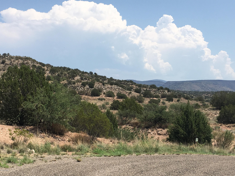 4875 E Falcon View Rimrock, AZ 86335