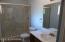 Main Bedroom's Bath