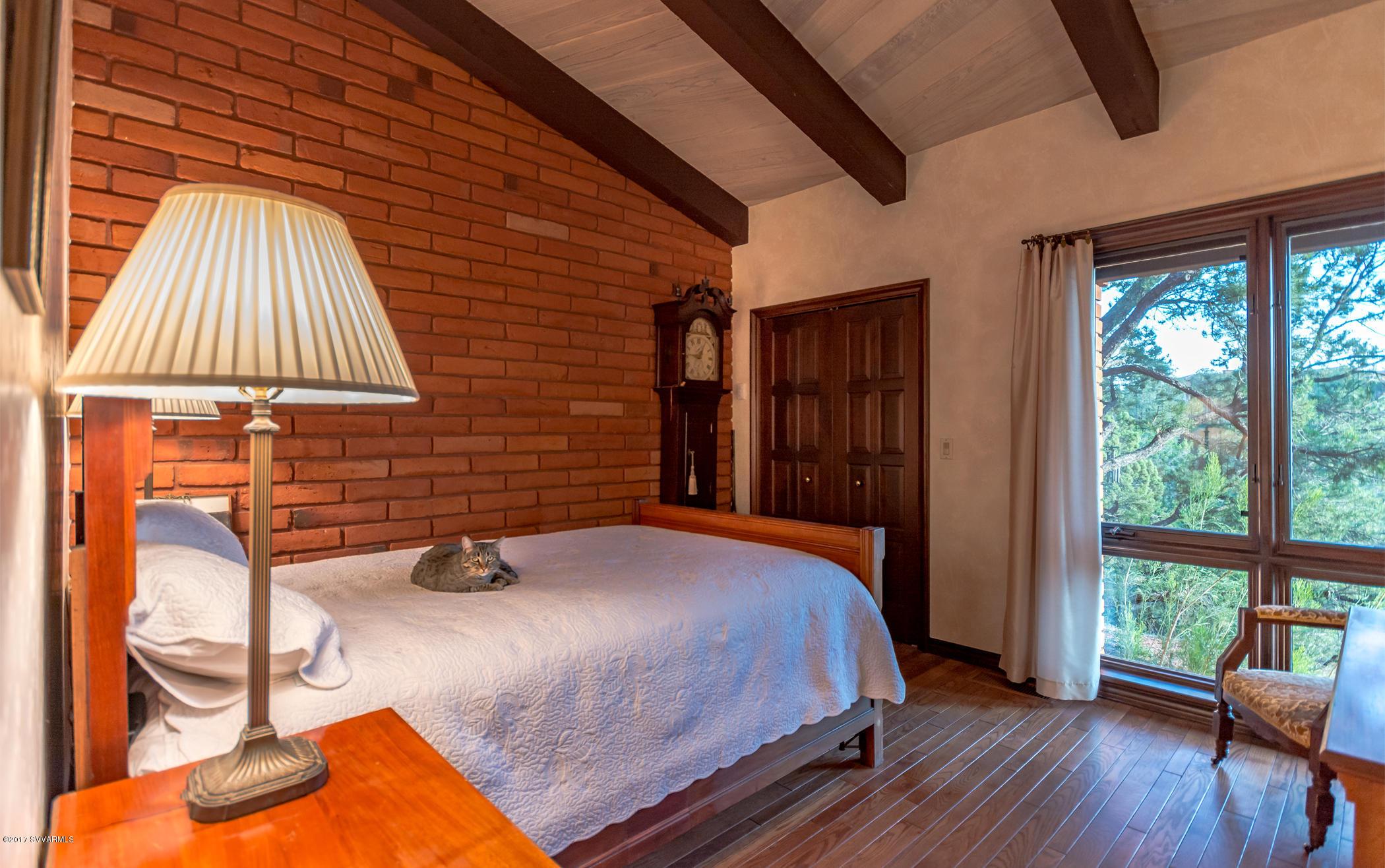 160 Camino Del Caballo Sedona, AZ 86336