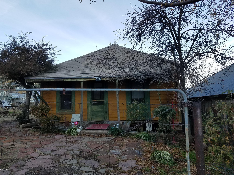 128 School St Jerome, AZ 86331