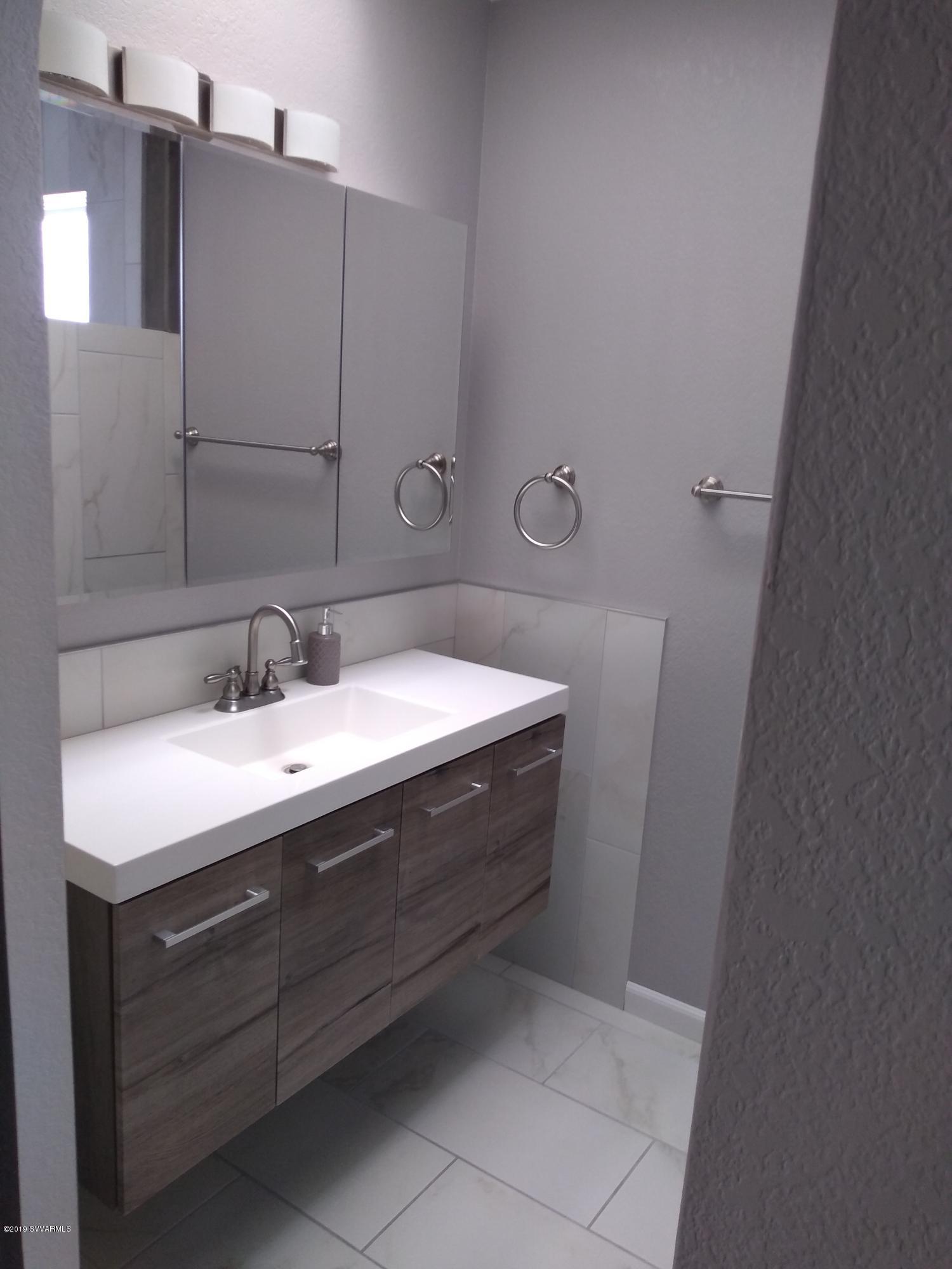 1242 Bow Maker Tr Cottonwood, AZ 86326