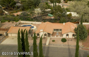 Lovely home with pool & red rock views in VOC