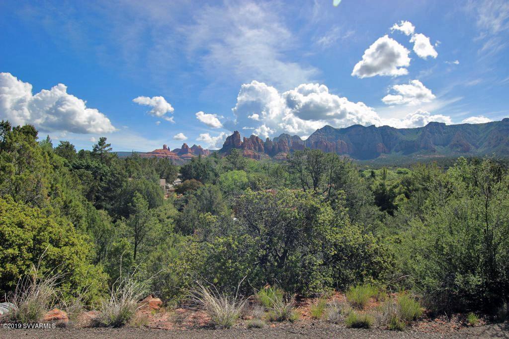 302 Oak Ridge Sedona, AZ 86336
