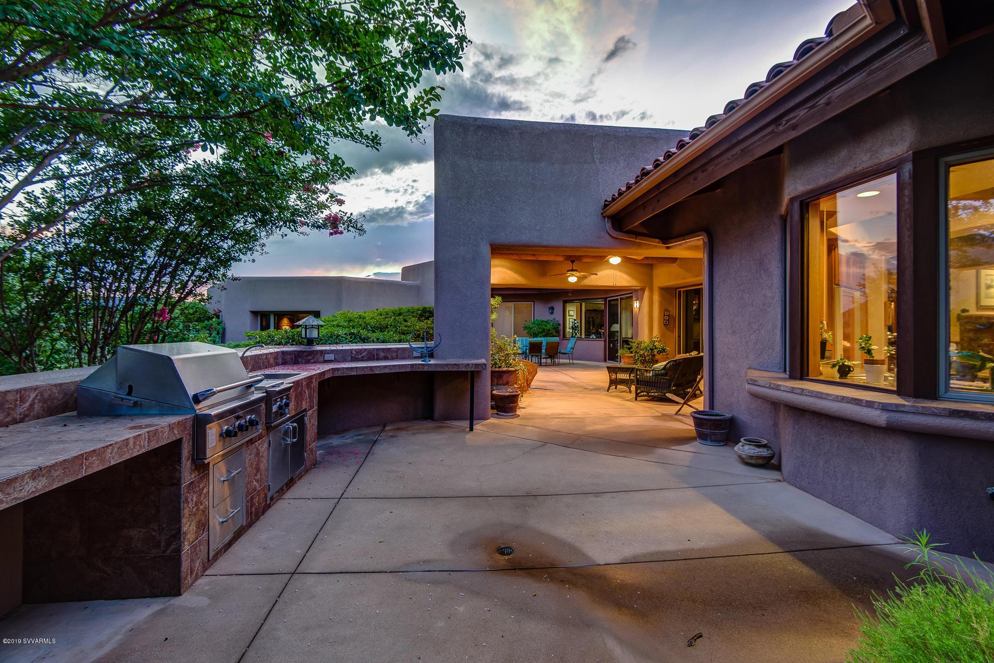 205 Bobcat Tr Sedona, AZ 86351