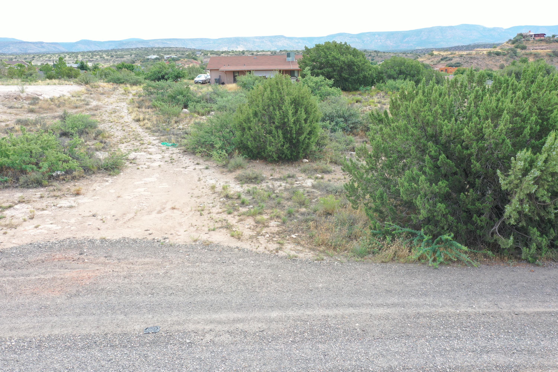 5635 N Robin Lynn Rimrock, AZ 86335