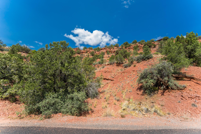210 Woodland Sedona, AZ 86336
