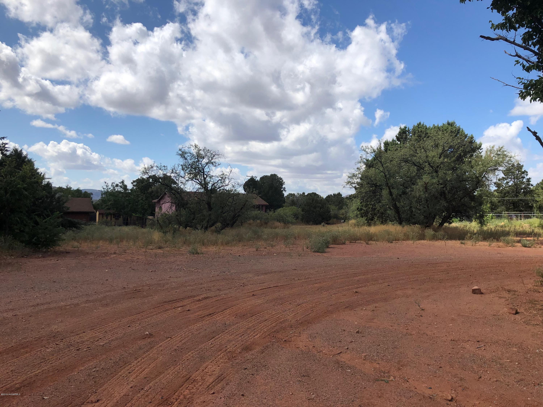 135 A Grasshopper Sedona, AZ 86336