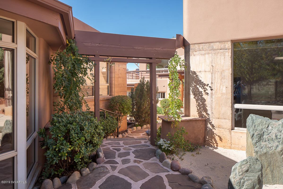 91 Little Horse Lane Sedona, AZ 86336