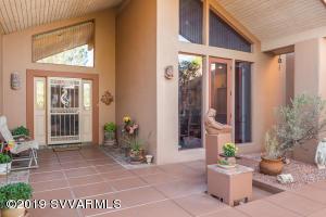 105 Blue Jay Drive, Sedona, AZ 86336