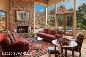 335 Rim Shadows Drive, Sedona, AZ 86336