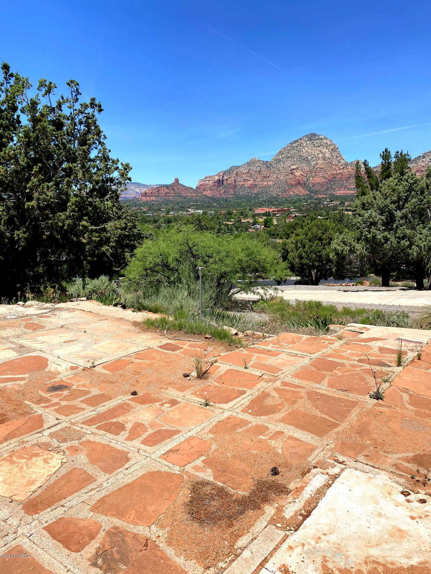 390 Oak Creek Sedona, AZ 86336