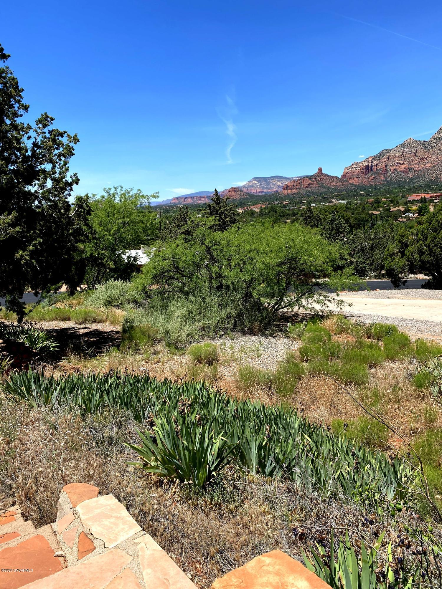 390 Oak Creek Sedona, AZ 86336