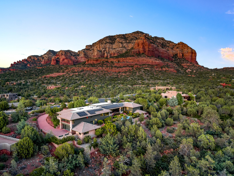 135 Desert Holly Drive Sedona, AZ 86336