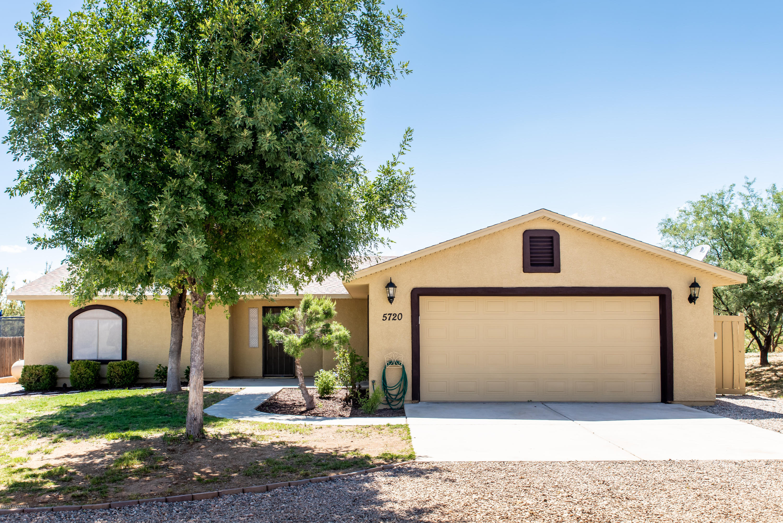 5720 N Debbie Lane Rimrock, AZ 86335