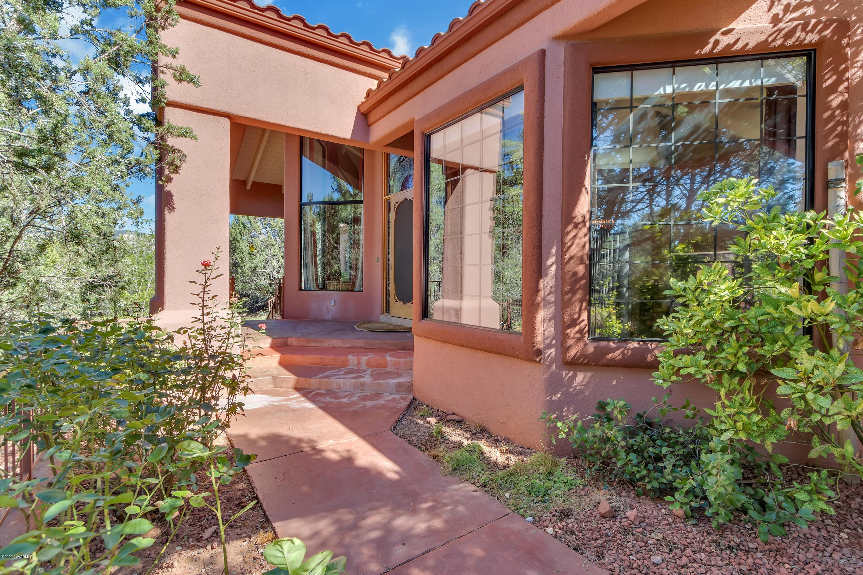 100 Golden Eagle Drive Sedona, AZ 86336