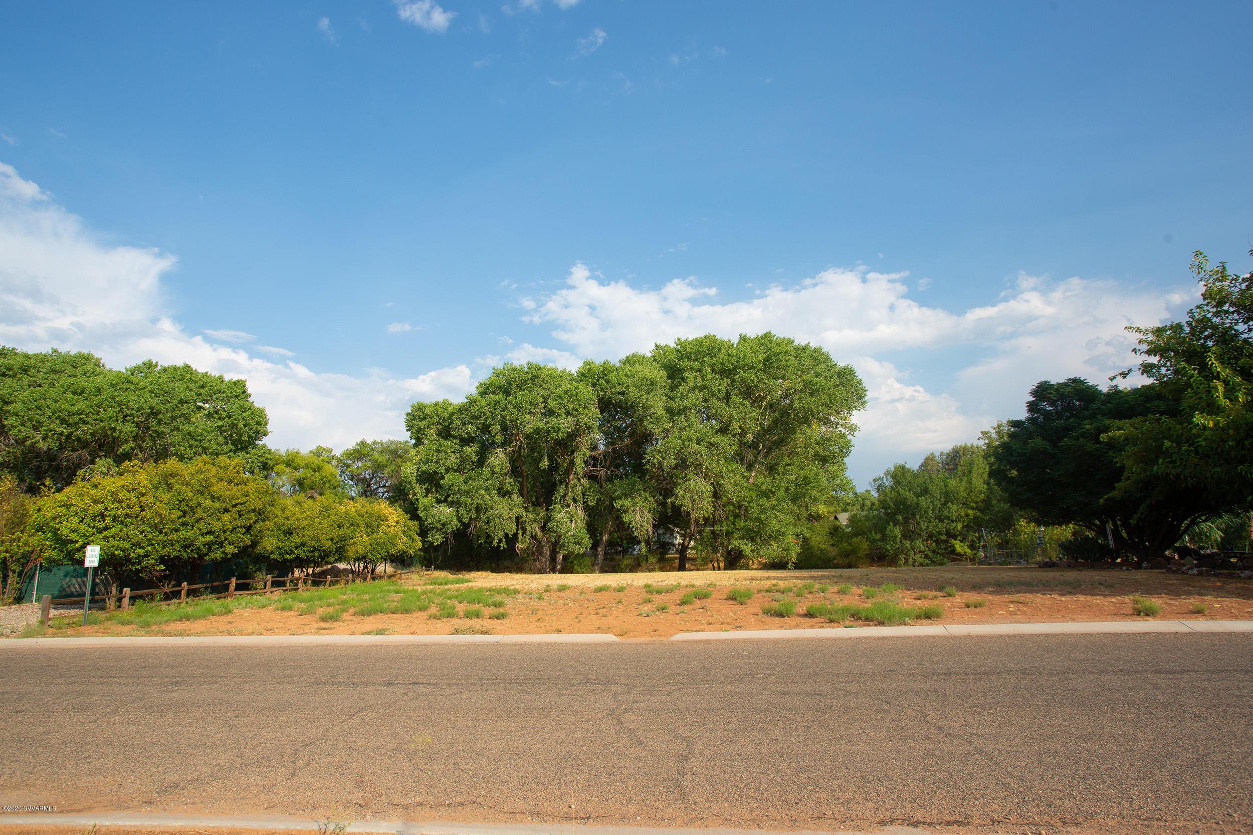 10345 E Creekside Cornville, AZ 86325
