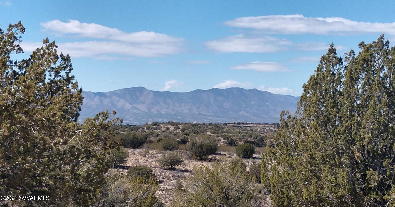 099 Running Wolf Lane Rimrock, AZ 86335