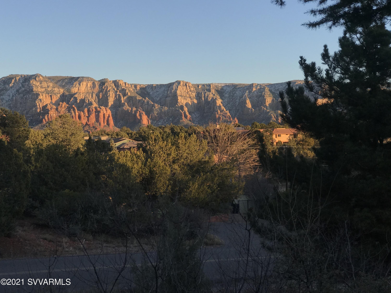 325 Mountain Shadows Drive Sedona, AZ 86336