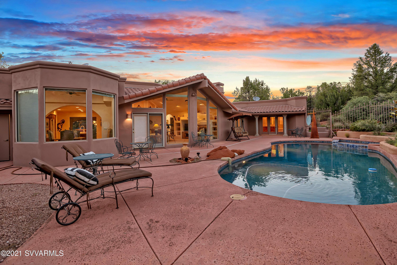 60 Navajo Tr Sedona, AZ 86351