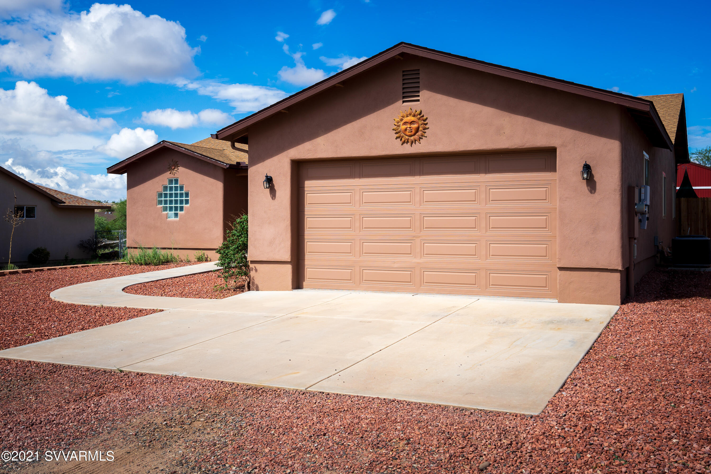 5650 N Debbie Lane Rimrock, AZ 86335
