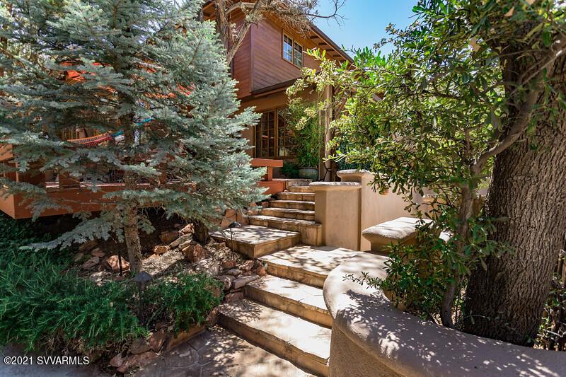 126 Schnebly Hill Rd Sedona, AZ 86336