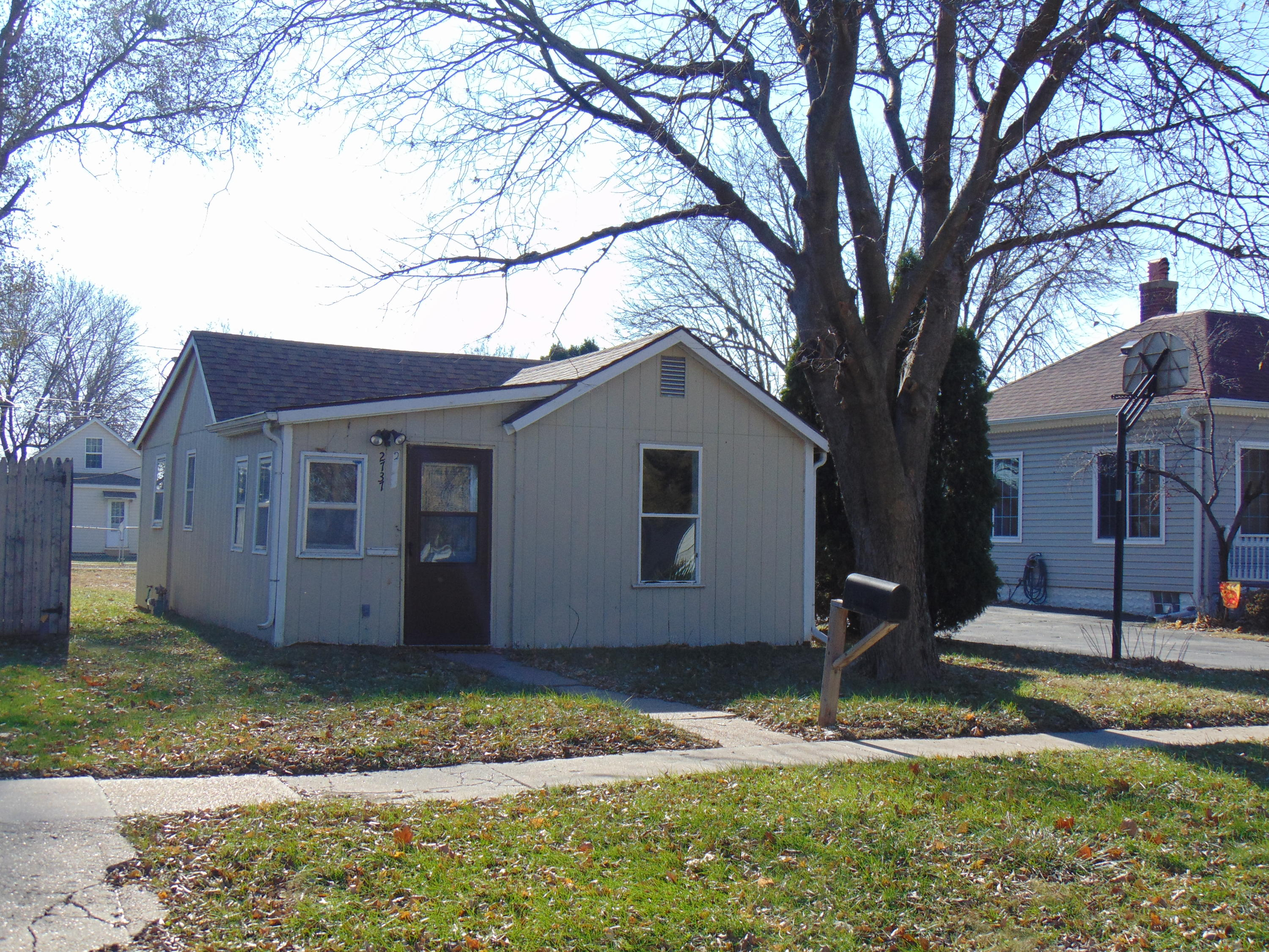 2737 3RD Avenue, Council Bluffs, IA 51501