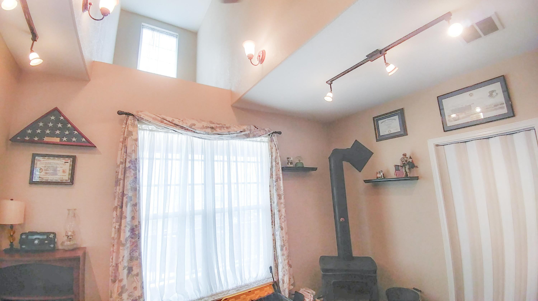49 Barn Road, Buffalo, Wyoming 82834, 5 Bedrooms Bedrooms, ,3 BathroomsBathrooms,Residential,For Sale,Barn,18-327