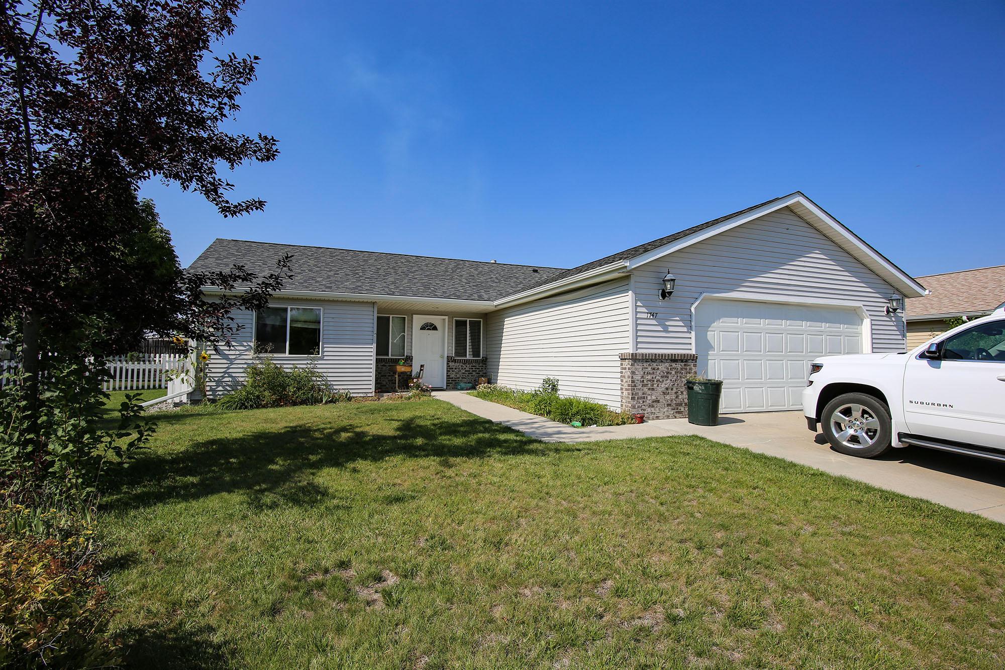 1747 Sagebrush Drive, Sheridan, Wyoming 82801, 5 Bedrooms Bedrooms, ,3 BathroomsBathrooms,Residential,For Sale,Sagebrush,18-881
