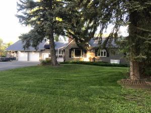 5539 Coffeen Avenue, Sheridan, WY 82801