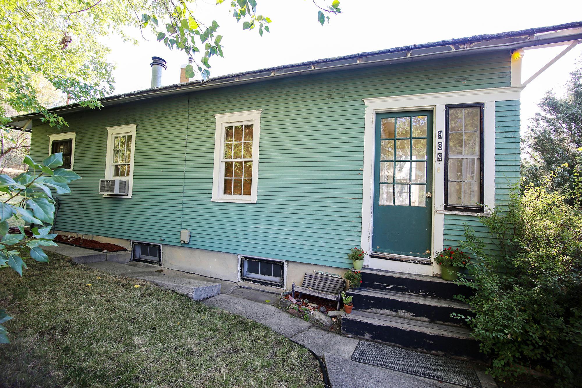989 W Loucks Street, Sheridan, Wyoming 82801, 2 Bedrooms Bedrooms, ,1 BathroomBathrooms,Residential,For Sale,Loucks,18-970