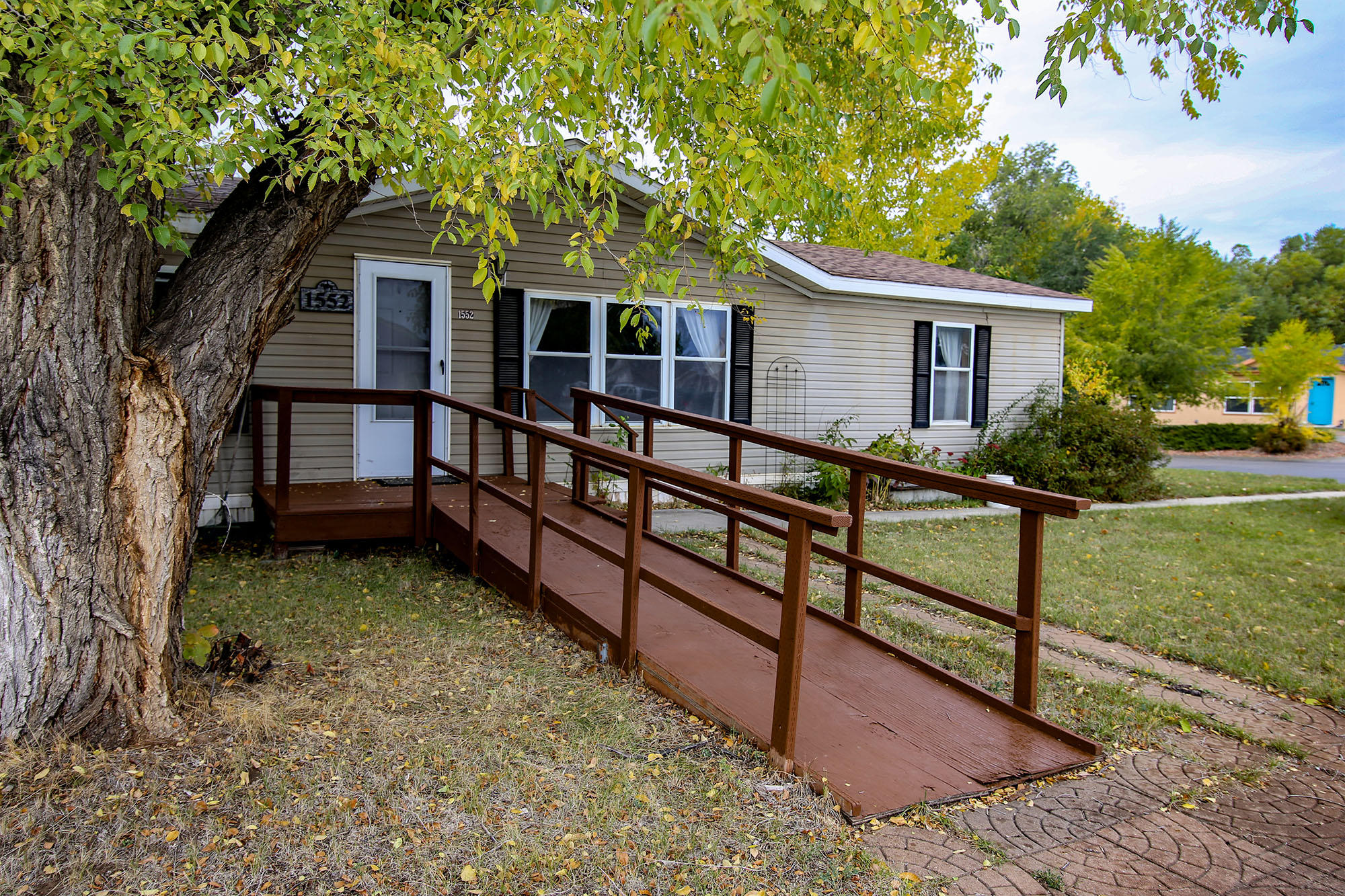 1552 Holloway Avenue, Sheridan, Wyoming 82801, 3 Bedrooms Bedrooms, ,2 BathroomsBathrooms,Residential,For Sale,Holloway,18-1059