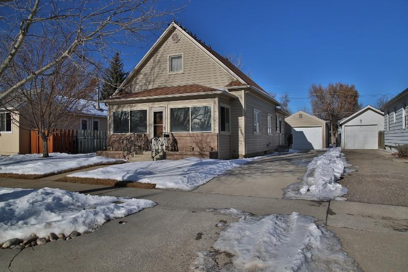 135 W 5th Street, Sheridan, Wyoming 82801, 4 Bedrooms Bedrooms, ,1 BathroomBathrooms,Residential,For Sale,5th,19-47