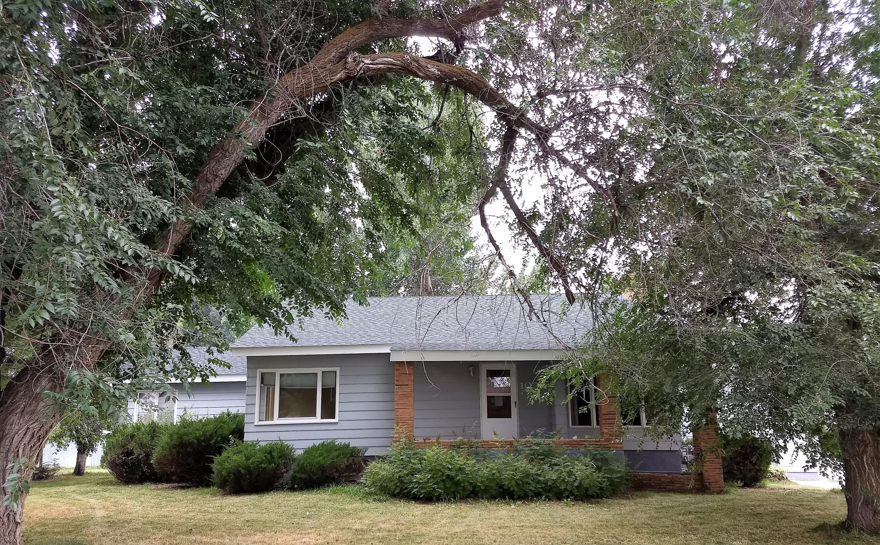 1030 5th Avenue East, Sheridan, Wyoming 82801, 4 Bedrooms Bedrooms, ,1.5 BathroomsBathrooms,Residential,For Sale,5th Avenue East,19-53