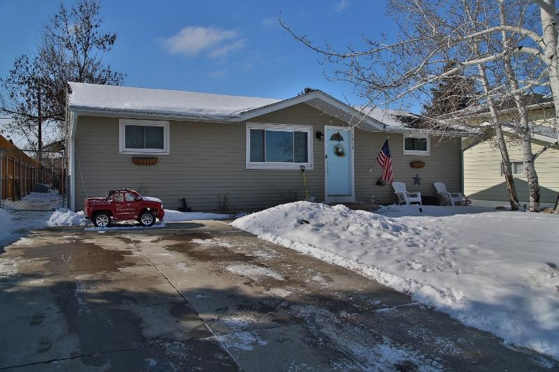 1416 Taylor Avenue, Sheridan, Wyoming 82801, 3 Bedrooms Bedrooms, ,1 BathroomBathrooms,Residential,For Sale,Taylor,19-157