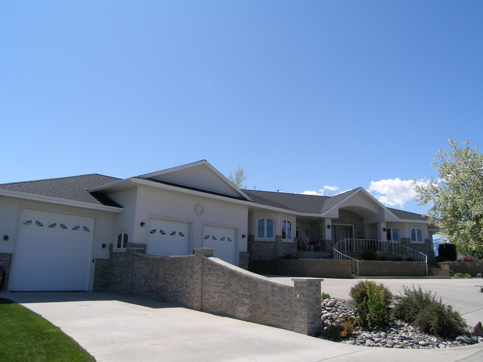 43 Canyon View Drive, Sheridan, Wyoming 82801, 2 Bedrooms Bedrooms, ,3.5 BathroomsBathrooms,Residential,For Sale,Canyon View,19-182