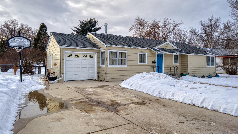308 1st West Parkway, Sheridan, Wyoming 82801, 3 Bedrooms Bedrooms, ,2 BathroomsBathrooms,Residential,For Sale,1st West Parkway,19-186