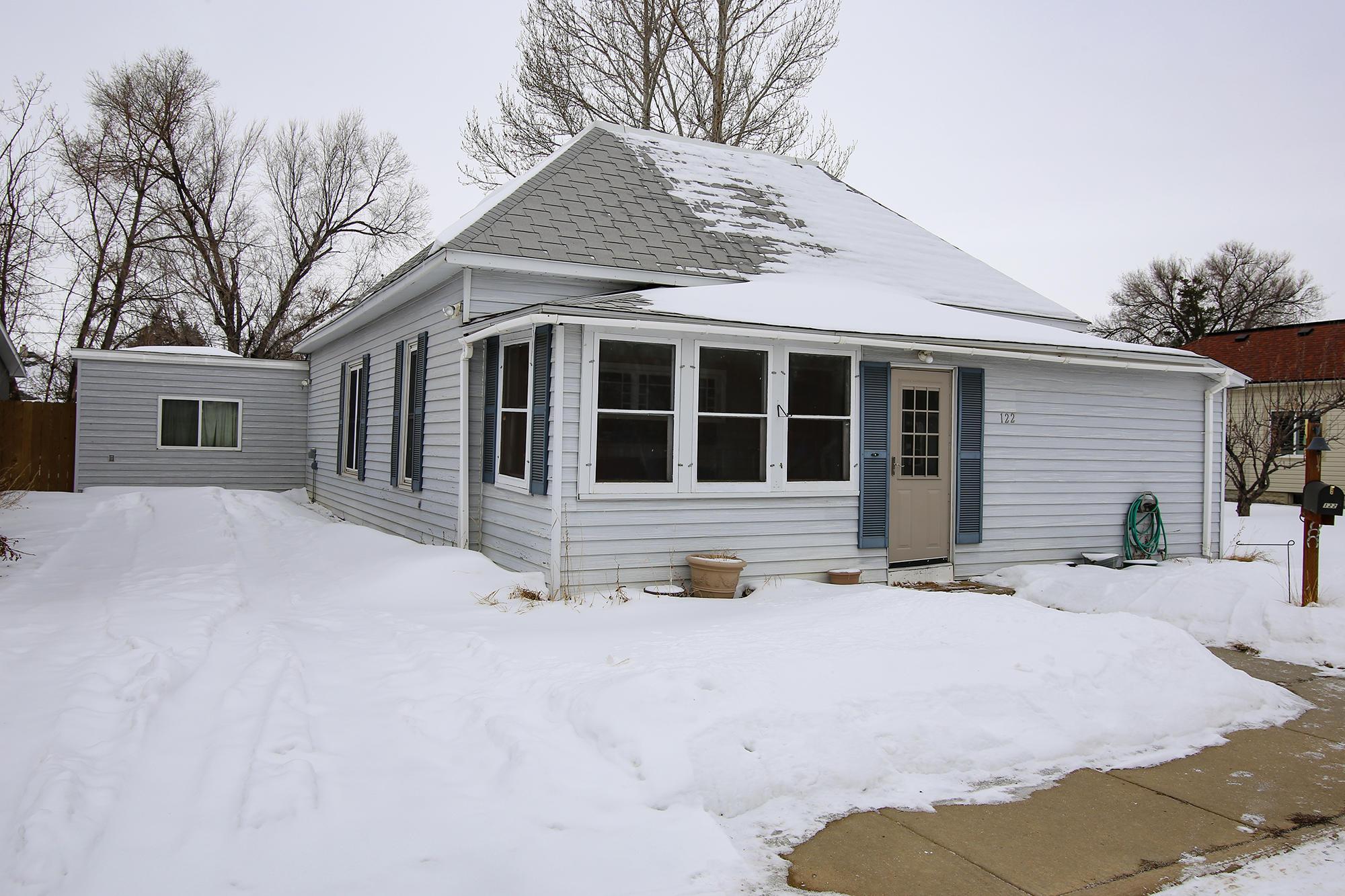 122 E Heald Street, Sheridan, Wyoming 82801, 3 Bedrooms Bedrooms, ,1.5 BathroomsBathrooms,Residential,For Sale,Heald,19-197