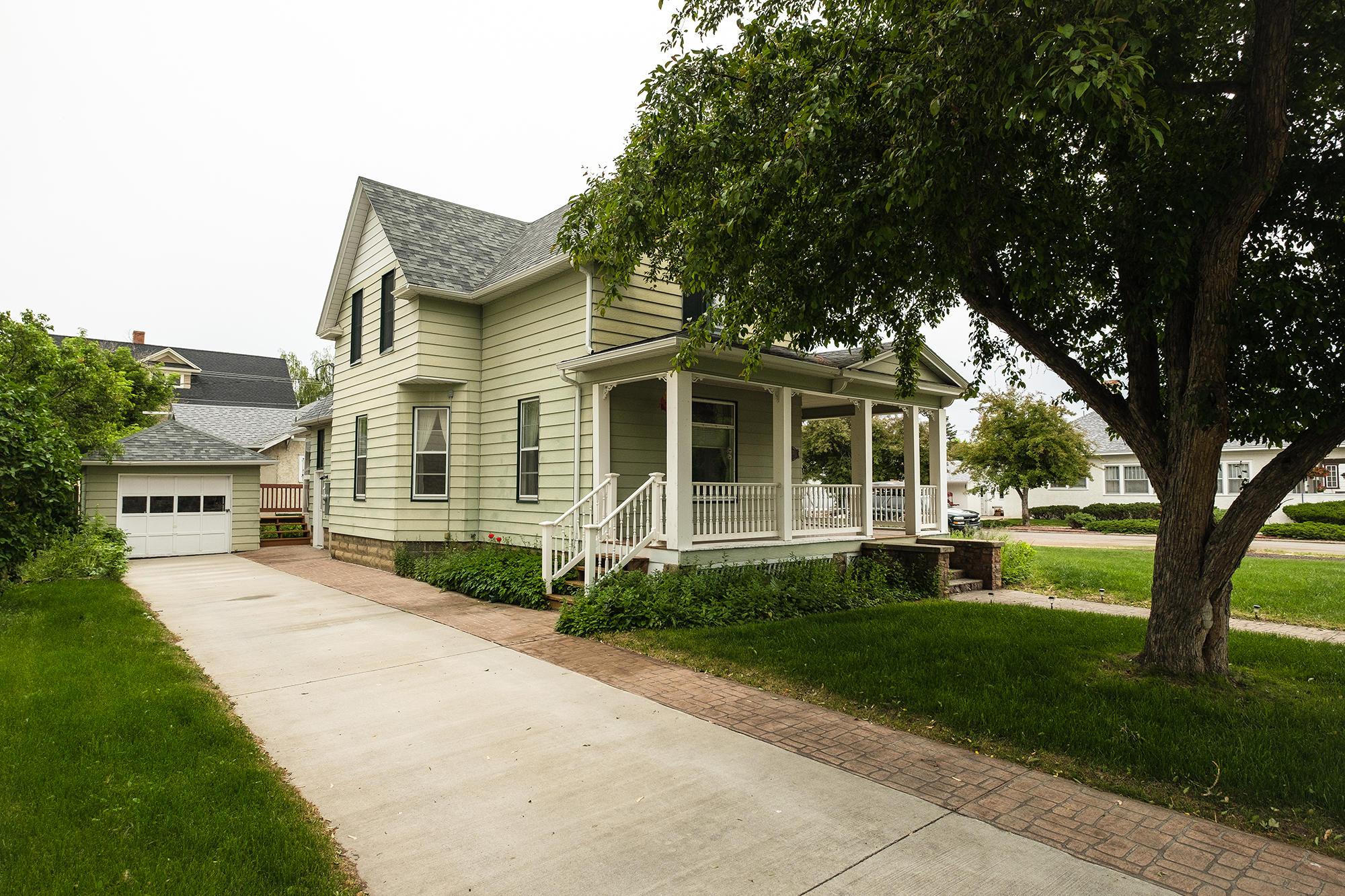 507 W Loucks Street, Sheridan, Wyoming 82801, 3 Bedrooms Bedrooms, ,2 BathroomsBathrooms,Residential,For Sale,Loucks,19-214