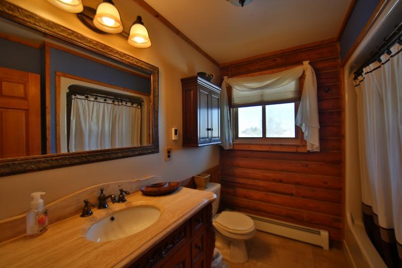 62 Sherri View Drive, Sheridan, Wyoming 82801, 2 Bedrooms Bedrooms, ,2 BathroomsBathrooms,Residential,For Sale,Sherri View,19-215
