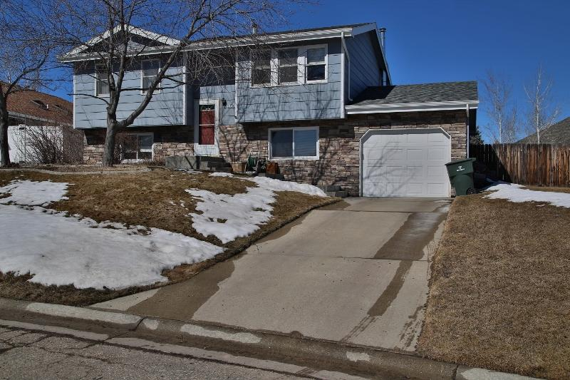 1609 N North Heights Avenue, Sheridan, Wyoming 82801, 4 Bedrooms Bedrooms, ,2 BathroomsBathrooms,Residential,For Sale,North Heights,19-226